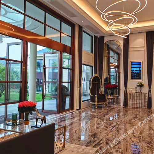 Jihu Beach Hotel