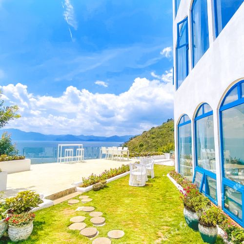 Fuxian Lake 25 Degree Blue Hotel