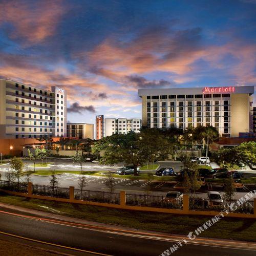 邁阿密機場萬怡酒店