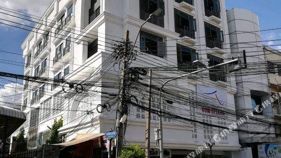 Lucky House Bangkok