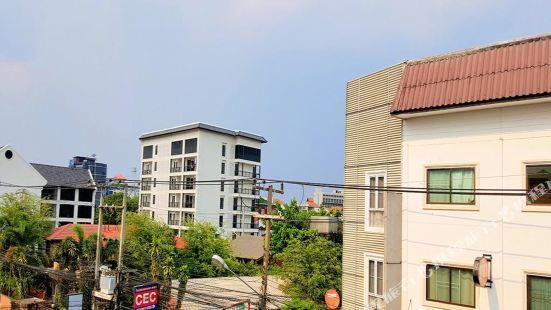Cozy Villa with Convenient Transportation in Ningman Road