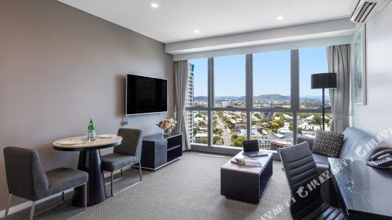 Meriton Suites - Adelaide Street, Brisbane