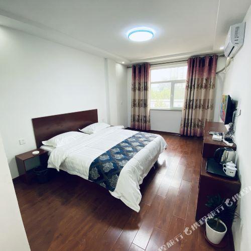 Dingzhou Fengxiang Inn