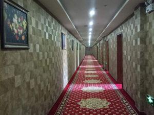 布爾津俄羅斯凱旋門大酒店