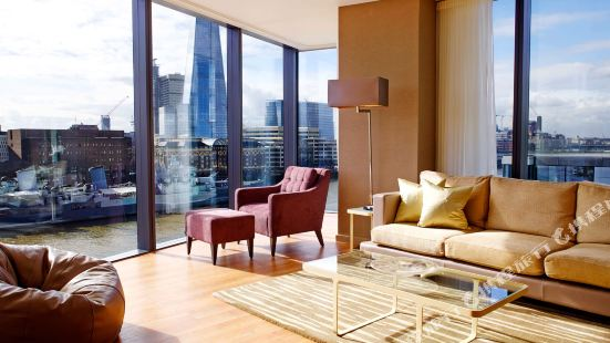 London Cheval Three Quays Hotel Apartment
