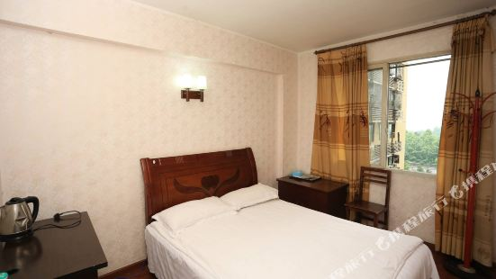 Lianglong Hotel