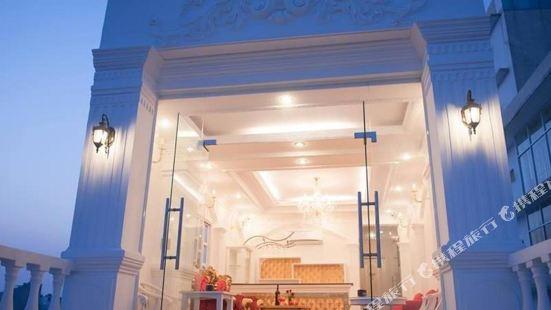 Phung Hoang Golden Hotel