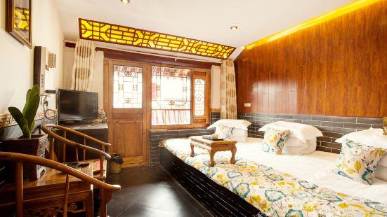 Long Ding Sheng Hotel
