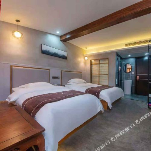 Dongting Lake Fengqing Hotel (Yueyanglou)