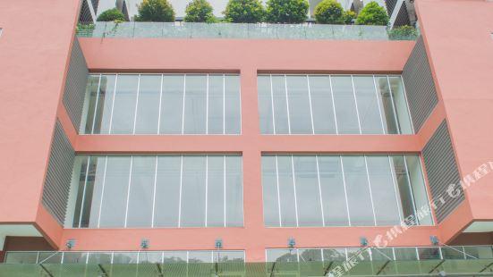 K1-08-11-Deluxe Studio Apartment with Balcony