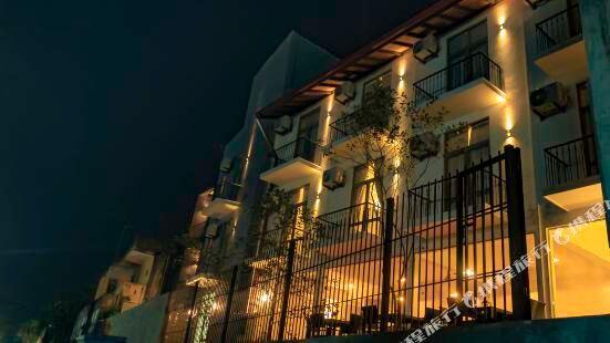 蜂巢 68 - 尼甘布酒店及度假村