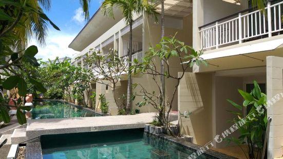 A2 Pool Resort