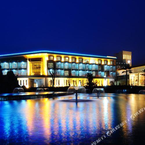 ジンポン エコ ホテル