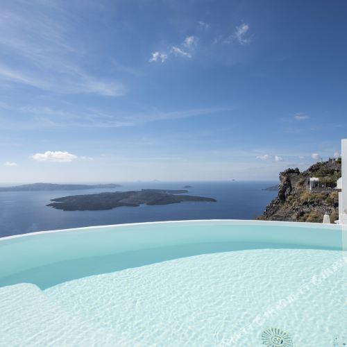 聖託里尼島水上豪華套房酒店