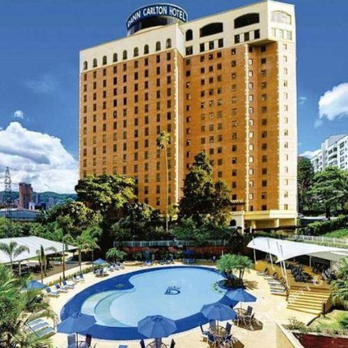 麥德林達恩卡爾頓酒店