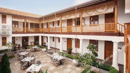 亞拉加勒要塞酒店