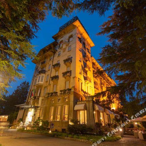 瓦雷澤皇宮大酒店