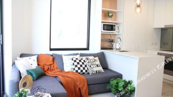 Tiffany Luxury Hotel Apartment - CBD