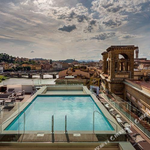 Plaza Hotel Lucchesi Florence