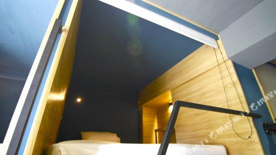 台北東門3號膠囊旅店