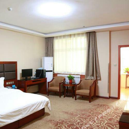 Haitian Express Hotel (Xinghua branch, Xingping)