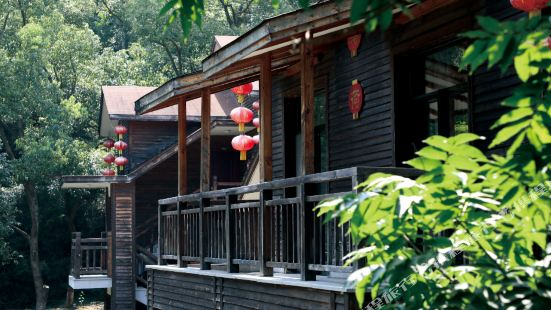 Red Lantern Log House