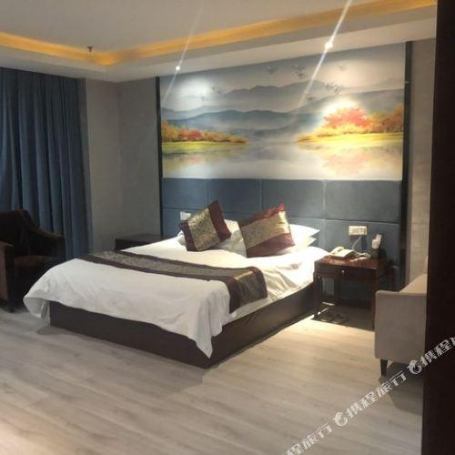 Longzhonglong Hotel
