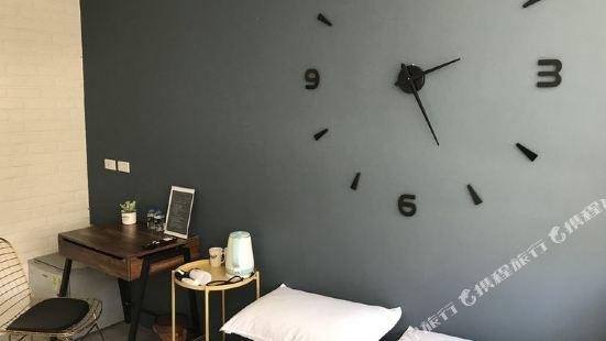 淡水絕美設計公寓24小時自助入住雙床房