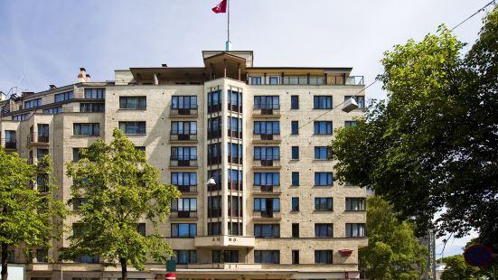 斯洛茨帕肯索恩酒店