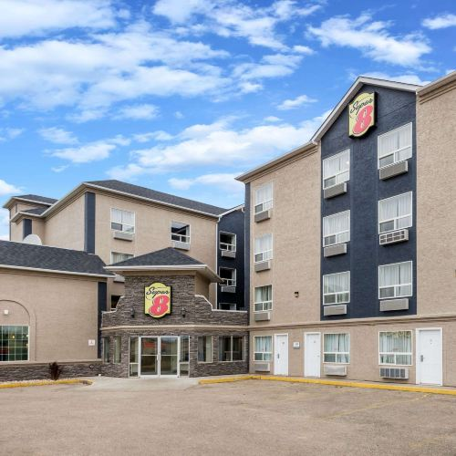 Super 8 by Wyndham Grande Prairie