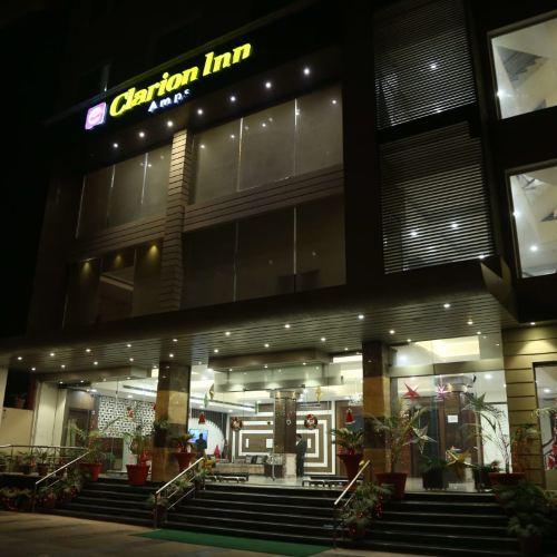 Clarion Inn Amps