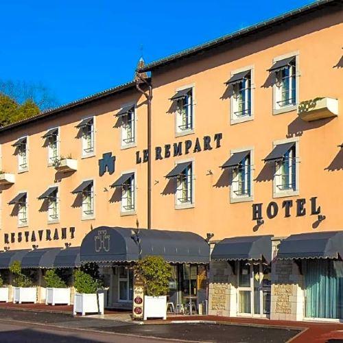 圖爾尼壁壘原生酒店