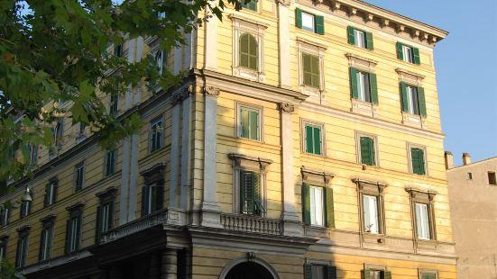 科瑞德羅馬套房酒店