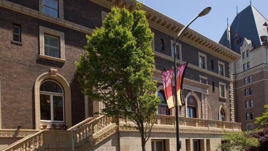 不列顛哥倫比亞省的聯盟俱樂部酒店
