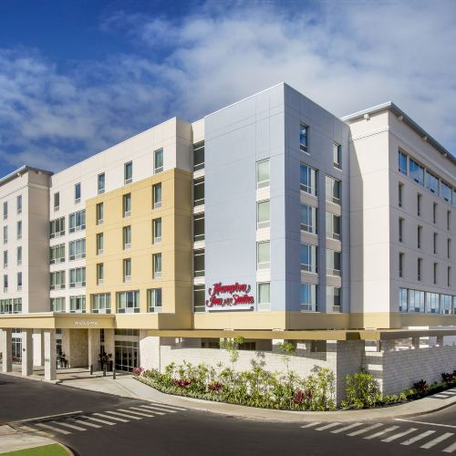 Hampton Inn & Suites Oahu/Kapolei, HI - Free Breakfast