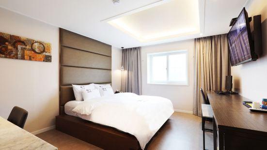 M7 호텔