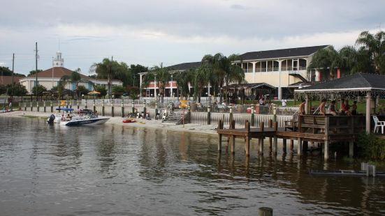 Lake Roy Beach Inn - Winter Haven