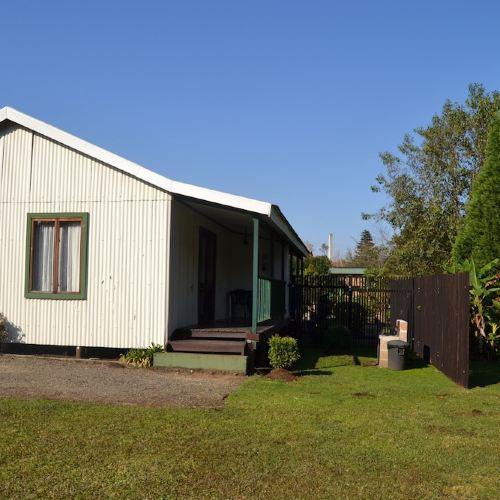 Log Cabin & Settlers Village