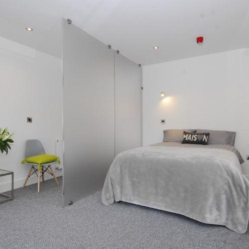 Fox House, Studio Apartments
