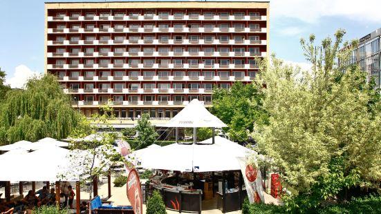 里拉索非亞酒店