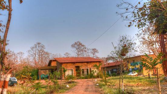 Jharana Jungle Lodge