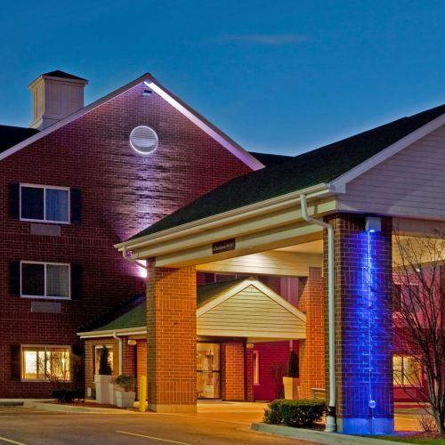 Holiday Inn Express Chicago Northwest-Vernon Hills