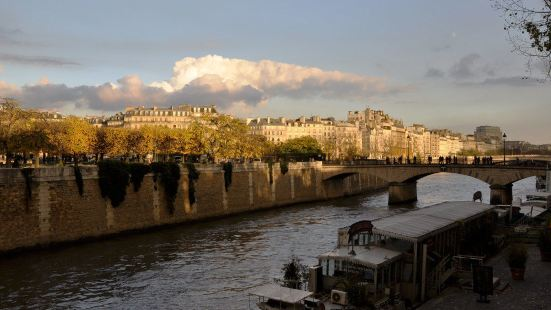 巴黎戴安娜酒店