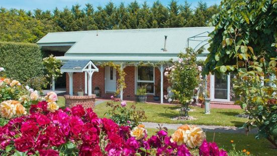 Lakeside Cottage Luxury B&B Mount Dandenong