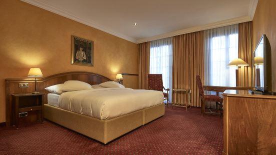 德愛裏維酒店