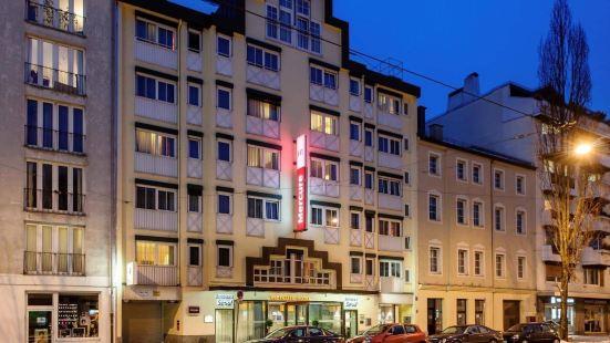 慕尼黑斯徹瓦賓美居酒店