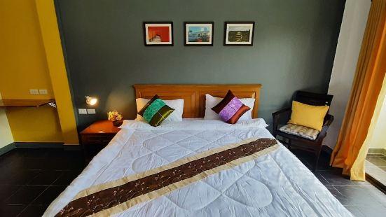 Sala Bua Room