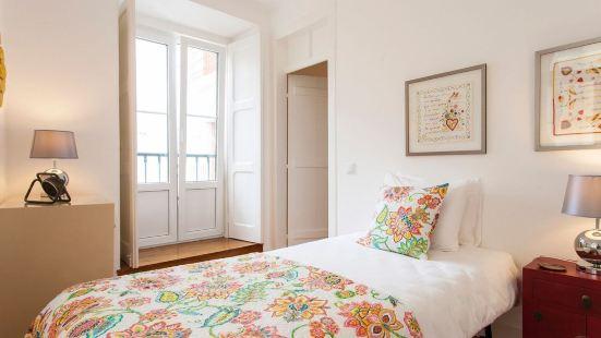 Stylish Lisbon Apartment in Alfama