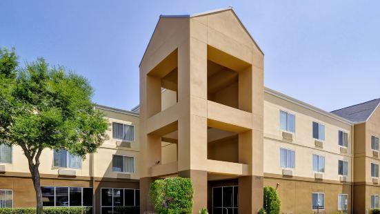 達拉斯醫療/市場中心費爾菲爾德酒店