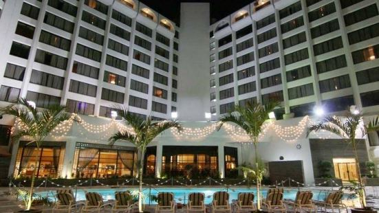 Regent Plaza Hotel & Convention Center